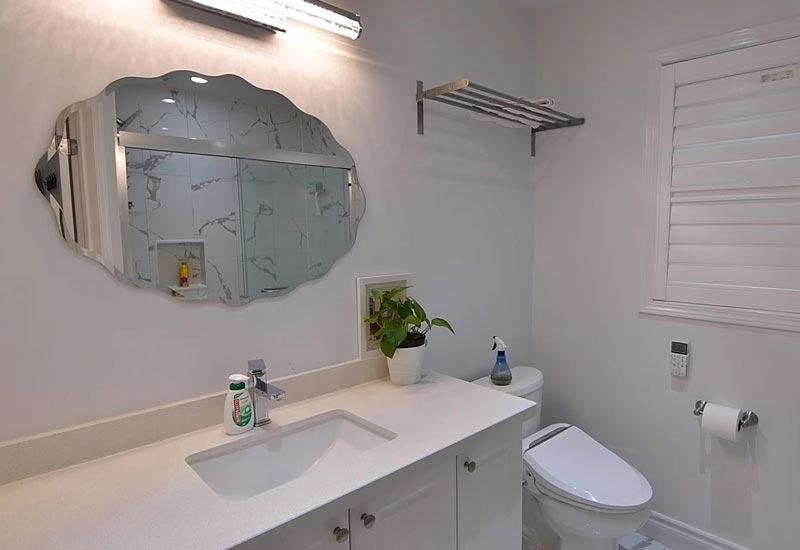 раковина и зеркало
