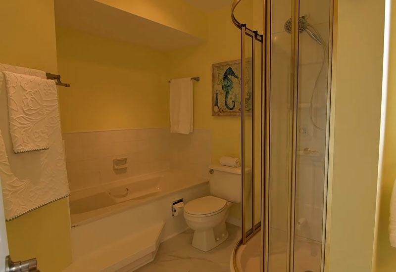 жёлтенькая ванная комната 6_13