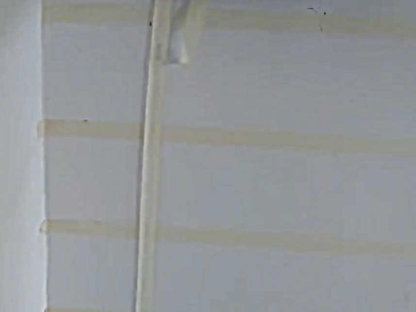 Подготовка стены для создания декоративных кирпичиков.